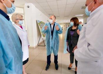 Уже в 2020 году зарплаты украинским медикам увеличат до 50%