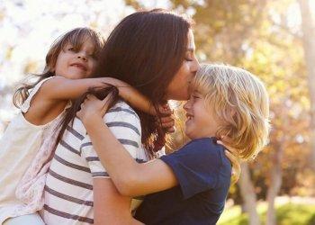 Детская ревность: так ли она опасна и что делать родителям?