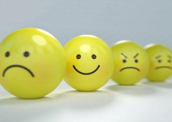 Психологи советуют анализировать слова, описывающие эмоции