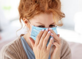 Пациентка без симптомов COVID-19 инфицировала окружающих три месяца