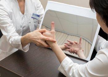 Ученым впервые удалось исследовать редкое заболевание – синдром зеркального движения рук
